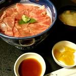 74043619 - 和牛ローストビーフ丼1980円