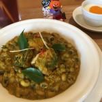 メノン - パンプキンと豆のカレー