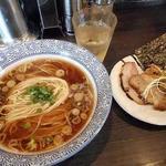 麺処 ほん田 niji - 料理写真:芳醇鶏だし醤油ラーメン750円