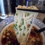 麺処 ほん田 niji - 麺リフトアップ