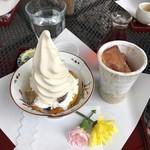 武蔵野茶房 - おいもパフェとアイスティー