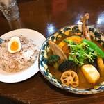 スープカレー ポニピリカ - チキンと野菜のカレー