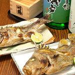 ふるさと - 朝獲れの「瀬戸内海の小魚塩焼き」はチヌ、ビングシ、アジ、カマス、タチウオなどがお薦めです。