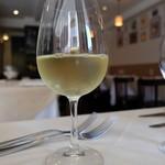 レストランオーボンコワン - グラスワインの白シャルドネ(918円)