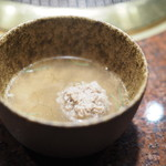 焼肉 うしごろ - 牛タンのつみれともずくのスープ