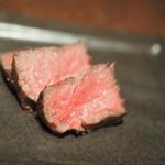 焼肉 うしごろ - ランプ肉の厚切りステーキ