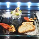 トシ・ヨロイヅカ 東京 - 前菜 ローズマリー風味のマッシュポテト