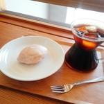 フレンチ コーヒー ファンクラブ - レモンケーキ¥280、アイスコーヒー(エチオピア)¥450