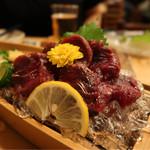 大衆割烹 京家 - 鯨の刺身