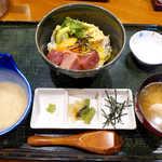 山薬 清流庵 - まぐろアボガド納豆丼(¥1050)。いかにも栄養のありそうな組合せ、疲れたときの一発に!