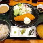 山薬 清流庵 - 〔日替〕サーモンフライ御膳(¥1000)。自家製タルタルソースが付くのは嬉しい