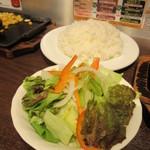 いきなりステーキ - ライスセット 350円(税別)