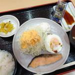 御在所サービスエリア(下り線)とんとん食堂 - 朝定食(580円)