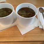 74074231 - 本日のスープ ¥540                       \キャベツたっぷり!/                       野菜たっぷりのコンソメ オニオンスープ                       2017/10/01(日)15:00頃訪問