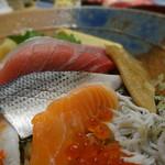 樽寿司  - 樽ちらし