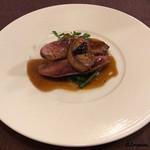 ビストロ スケガワ - 鴨のむね肉のローストにフォアグラのソテー