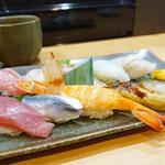 よしの寿司 - おまかせ握り。2500円☆