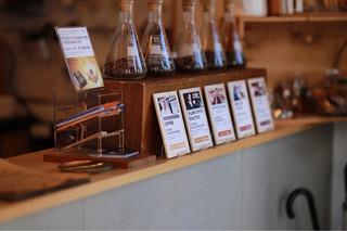 ドングリー コーヒースタンドと暮らしの道具店