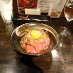 恵比寿ワインバル梟 - 雪室熟成牛のローストビーフ丼1,200円