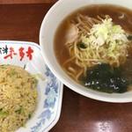 会津喜多方らーめん - 料理写真:らーめん+半チャーハン