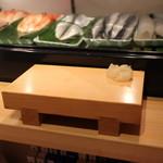 鮨屋とんぼ - 2017年10月再訪:さぁ頂きます☆