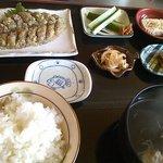 望月 - 料理写真:新鮮な鯵を薬味と味噌と一緒に叩いたあじみそたたきの定食 \1050