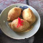 高柳食堂 - デップリとしたイナリ寿司