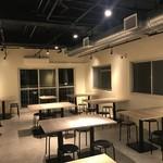中目黒ひつじ - 2階テーブル席。団体40名利用可能&個室あり8名