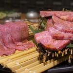 焼肉JIN - 極ロースと極カルビ