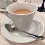 リストランテ カノビアーノ - 食後はコーヒーで、イタリアンテイストの濃いめでデザートに良く合います。