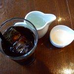 """ブラッスリー・トゥース トゥース - 三宮""""BRASSERIE TOOTH TOOTH""""SWEETS SETのアイスコーヒー"""