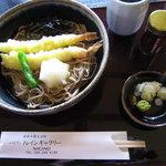 レストラントレインギャラリーとんかつ&そば処 - 料理写真:十割海老天そば