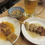 もつ鍋一慶 JRJP博多ビル店 - 『牛すじ串煮』の味噌味と辛味噌味