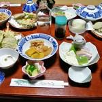 江戸屋旅館 - 料理写真:夕食