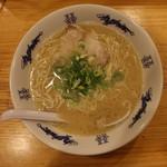 博多ラーメンセンター - ラーメン(650円、真上から)