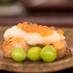 日本料理 晴山 - 2017.10 秋鮭親子焼き 大根おろし 銀杏