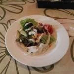 マードレ - わりかしボリュームのあるサラダ
