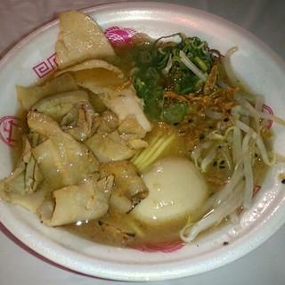 まぐちゃんラーメン - 料理写真:【肉盛り濃厚甲州味噌ラーメン + 味玉】¥900 + ¥100
