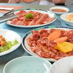 焼肉レストランハッピー - 料理写真:お肉