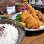 とんかつ 比呂野 - ミックスフライ定食
