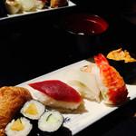 明己悟 - 料理写真:握り寿司セット¥300‼︎