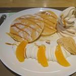 スウィートエッグス - 料理写真:キャラメルパンケーキ820前から
