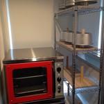シフォンケーキのお店 C.C.C. - コンベクションオーブンで焼いています。