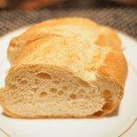 """74119866 - 牛ハラミのコンフィ""""ハラテキ"""" 1300円 のパン"""