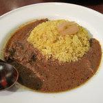 スパイスロード - インド修行カレー。ライスは、白ご飯とスパイス入りご飯とハーフ&ハーフから選択できます。