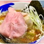 らーめん凛々 - 料理写真:凛々しい特製煮干し中華そば 980円