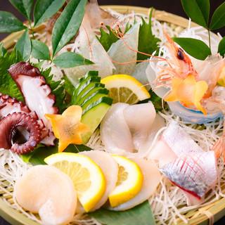 魚の卸会社の直営だから、とにかく新鮮な海鮮が楽しめる