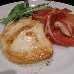 7413368 - スカモツァチーズのソテー