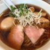 らーめんシゲトミ - 料理写真:醤油らーめん味玉付き