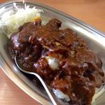 カレーの市民 アルバ - 料理写真:「とんかつカレー(並)」(750円)。カレーに隠れていてほとんど見えないが、クーポン特典でチーズトッピング(本来は+100円)されている。